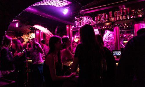 Bar im Gewölbe von der Monkeys Club